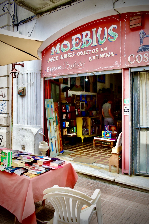 Librería Moebius, en la Ciudad Vieja de Montevideo